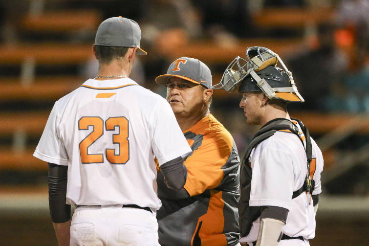 Nashville Sports NEws Vols Fall to Auburn 8-1 1