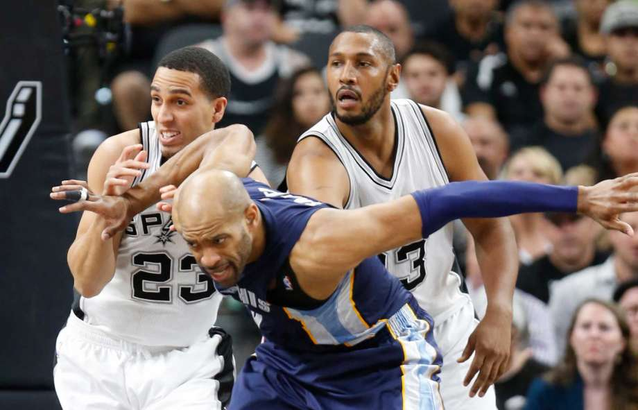 Nashville Sports News Grizzlies Defeat Spurs in Game 3, 105-94 1