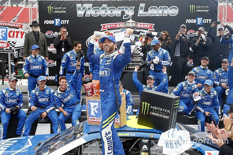 Nashville Sports News Jimmie Johnson Wins Food City 500 Bristol 3