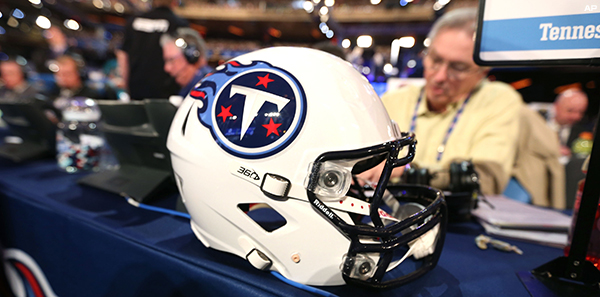 Tennessee Titans Look to Trade Down 2017 Draft 1