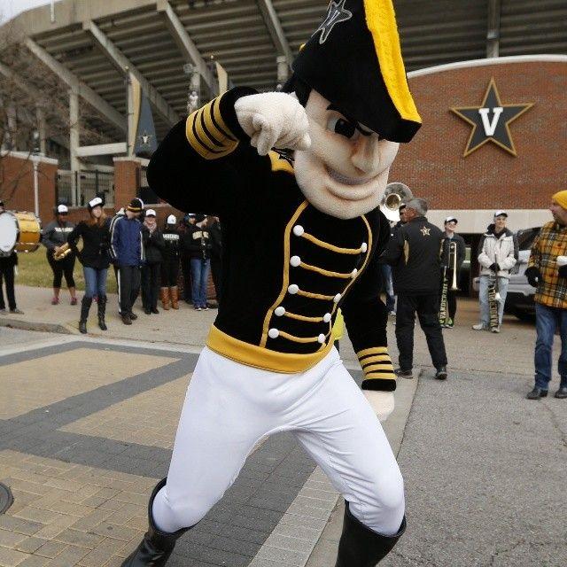 Commodores Crush Alabama 18-1 Mascot