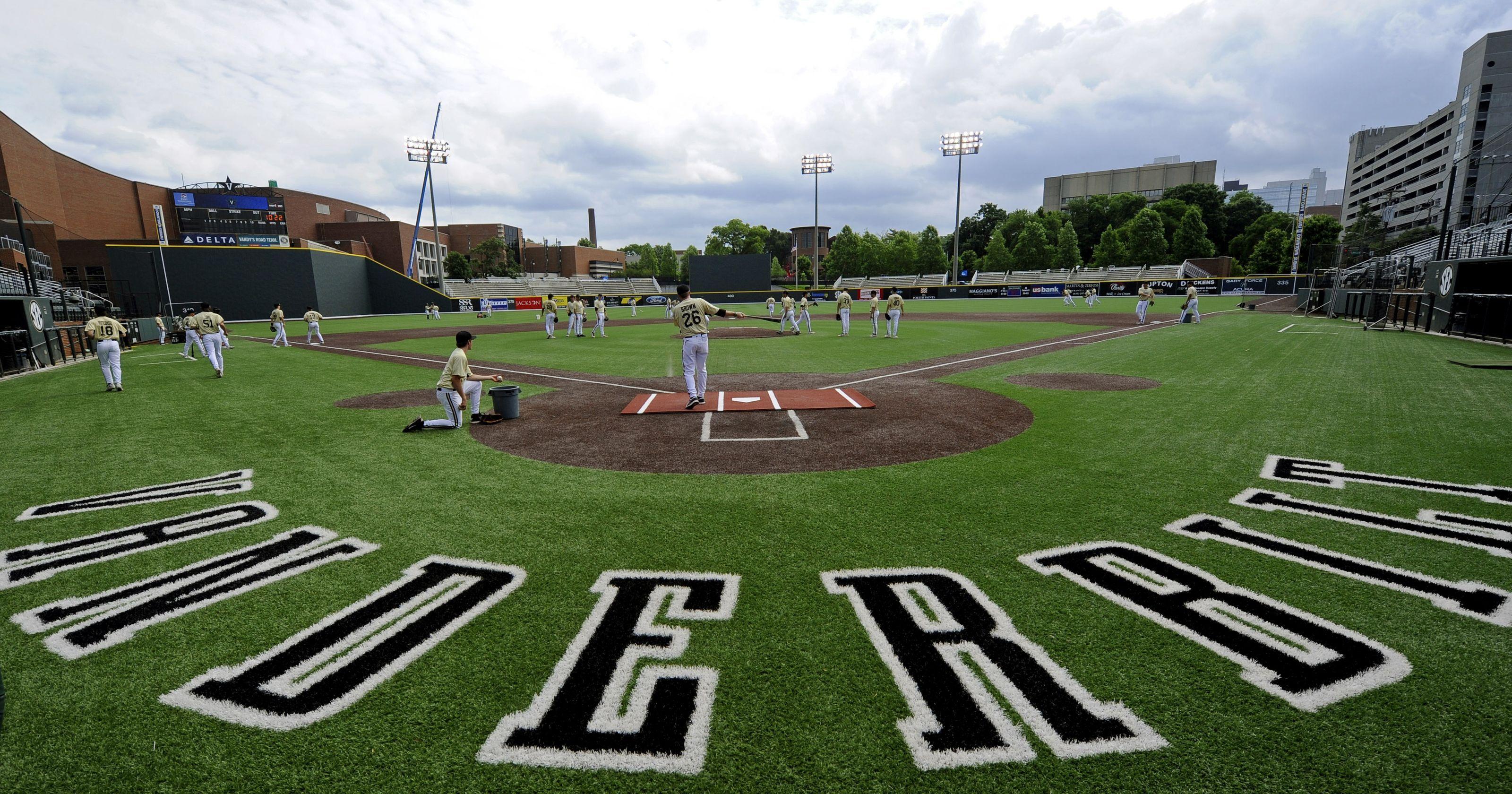 Vanderbilt Beats Austin Peay 8-4 1