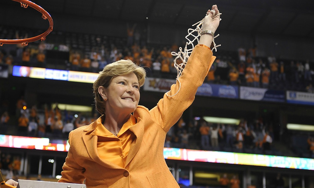 Lady Vols Pat Summit Remembered Cover1000